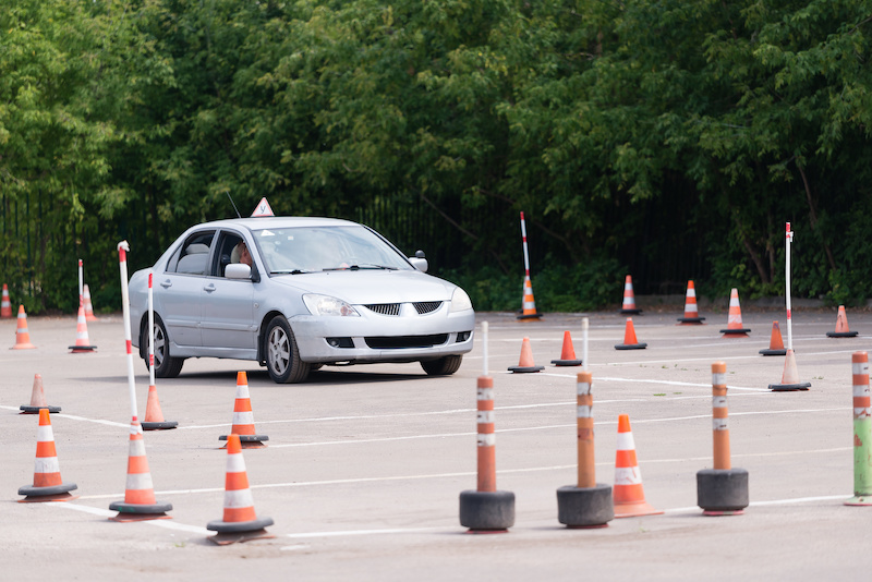 The process of learning to drive on the equipped specialized site driving school